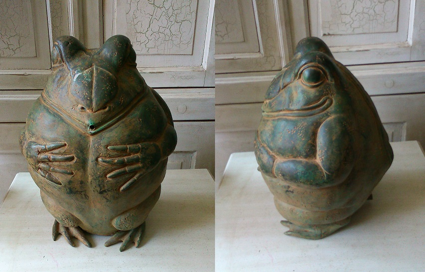 Bronze Frog Fountain